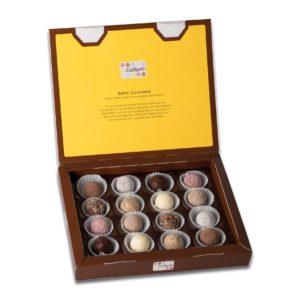 Schachtelinhalt der Esther Confiserie 8er Klassikpackung mit 16 verschiedenen winterlichen und weihnachtlichen Pralinen und Trüffeln mit Alkohol