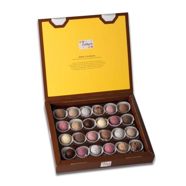 Schachtelinhalt der Esther Confiserie 8er Klassikpackung mit 24 verschiedenen winterlichen und weihnachtlichen Pralinen und Trüffeln mit Alkohol