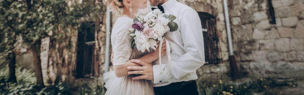 Ihre Hochzeit umrahmen wir mit unseren süßen Pralinen - diese können sie auch als individuelle Motivpralinen bestellen - Esther Genusswelt